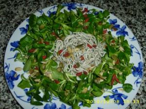 ensalada-de-gulas-y-frutos-secos-1600x1200